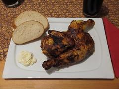 Brathhnchen (Kikok) mit aufgebackenem Weibrot (multipel_bleiben) Tags: essen braten geflgel