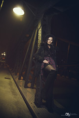 IMG_7838web (AH-Phototiv) Tags: bridge light portrait woman girl hat night pose germany hair deutschland abend photo afternoon foto purple nacht posing lila hut frau brcke ulm haare haar fotoshooting photoshooting