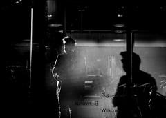 0784-2016 (Theo Olfers) Tags: stphotographia street straat switzerland suisse schweiz sony rx shadow dark monochrome bw black white urban city geneve