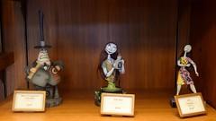Disneyland Visit 2016-10-30 - Main Street - Disneyana - Halloween Merchandise - Nightmare Before Christmas - Mayor and Sally Figurines (drj1828) Tags: us visit 2016 merchandise disneyland disneyana nightmarebeforechristmas