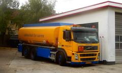 Volvo FM9 SZ96945 heating oil tanker (sms88aec) Tags: volvo fm9 sz96945 heating oil tanker
