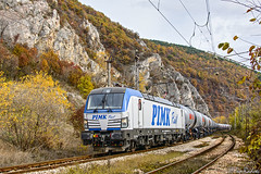 Autumn Vectron #2 (Rivo 23) Tags: pimk rail siemens vectron electric locomotive class 192 962 railway bulgaria freight train tank waggons autumn sestrimo bulgarian railways