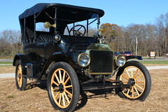 Ford Model T front (D Clay Wilson) Tags: ford modelt classic auto car antique wheel tire mirror horn chrome gold train vehicle rim
