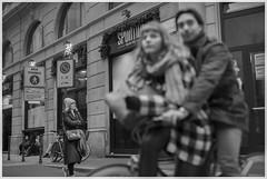 Milano, 4 Dicembre (flavio_chianese_1970) Tags: milano gente folk brera people chianese man men lombardia fog nebbia duomo natale christmas street strada photo best canon castello gorizia città city night notte viale parco donne woman vita isonzo italiano pavia genti castle life strade usa light luce magic photography tourism vacation vacanza italian