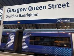 IMG_20161119_102004 (paddy75) Tags: verenigdkoninkrijk schotland glasgow queenstreet sridnabanrighinn treinstation scotrail trein