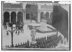 Rewarding families of dead Italian soldiers (LOC) (The Library of Congress) Tags: libraryofcongress dc:identifier=httphdllocgovlocpnpggbain28280 xmlns:dc=httppurlorgdcelements11 udine italia italy wwi piazza
