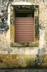 the doors #248 (.CLOSER.) Tags: closer photography analogic urban elements doors nikon nikkor f4 28mm af porta architettura trama astratto testo city arco allaperto finestra lavorazione della pietra mattone muro di mattoni