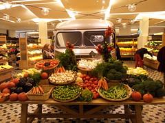 Paris, with my phone (jlfaurie) Tags: food paris frutas verduras fruit store comida international seco delicias delicatessen légume waterwall épicerie lagrandeépiceriedeparis produitsalimentaire jlfaurie jlfr mpmdf parisgreatgroceriesshop lagrantiendadeparis