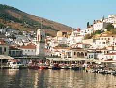 Puerto (Aproache2012) Tags: navegar mediterraneo cicladas peloponeso flotilla familar nios vacaciones relax