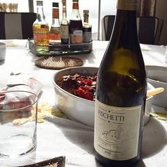 Photo (fischettiwine) Tags: quelli cheuna bottiglia di muscamento etna doc tavola sicily wine tableset family home qualityproducts