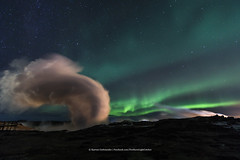 Gunnuhver Hotspring (Kjartan Gumundur) Tags: iceland sland hotspring power auroraborealis northernlights norurljs nightphotography nocturne nordlys ngc zorzapolarna polarlict canoneos5dmarkiv tokinaatx1628mmf28profx kjartangumundur arctic photoguide