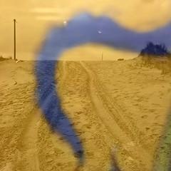Peur bleue (andrefromont/fernandomort) Tags: andrfromont andrefromontfernandomort fernandomort plage beach sable traces tracks