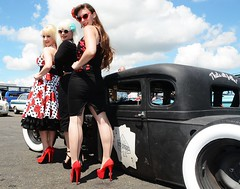 Holly, Jackie & Sharon_7412 (Fast an' Bulbous) Tags: car cars hot rod american classic automobile vehicle show dragstalgia santapod england summer people outdoor girl girls woman women hotty sexy chick babe long brunette blonde hair skirt dress wiggle circle rockabilly sunglasses stockings seamed high heels stiletto shoes model models pose pinup legs