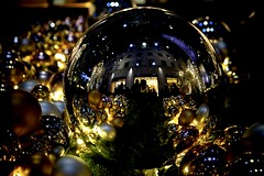 Ornaments in The City (Krisendola) Tags: rockefeller nyc night nighttime gold midtown manhattan city ornaments christmas