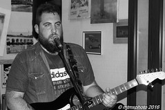 DSC_0592 (mtmsphoto) Tags: lightroom jfflickr calmapparente humus avola livemusic