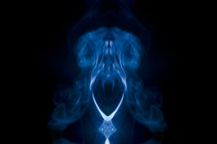 Solo.....jugando....con....humo...(revisando archivo) (pp diaz) Tags: humo luz sombras filtros procesado