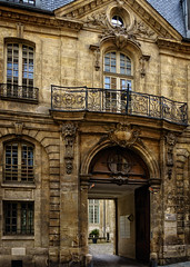 Lhtel dAlbret (Tigra K) Tags: paris ledefrance france fr 2016 architecture balcony city door lattice ornament window