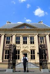 Den Haag - The Hague (Kristel Van Loock) Tags: denhaag thehague laie lahaye nederland visitnederland visitthenetherlands visitdenhaag visitthehague olanda paesibassi lespaysbas mei2016 may2016 citytrip city ciudad citt sgravenhage zuidholland holland hollande lahaya pasesbajos holandameridional laja laia olandameridionale lahollandemridionale haia pasesbaixos thenetherlands europe europa stad stadt haag nederlnderna sgravenhage niederlande wwwdenhaagnl themauritshuis artmuseum museo mauritshuis httpswwwmauritshuisnlnlnl