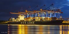 NYK Oceanus - 10091501 (Klaus Kehrls) Tags: nacht hamburg industrie spiegelung elbe schiffe hamburgerhafen containerschiffe ruby5 khlbtand