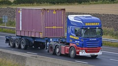 R500 BDS (panmanstan) Tags: truck wagon motorway yorkshire transport container lorry commercial vehicle freight sandholme scania m62 haulage intermodal hgv r500