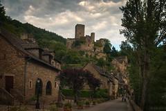 Belcastel (elenas_1) Tags: voyage france castle architecture village cit ciel histoire rue extrieur chteau hdr tourisme ancien aveyron sudouest belcastel