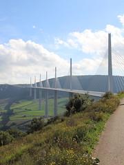 20140910 Aveyron Millau - Le viaduc-002 (anhndee) Tags: france frankreich millau viaduc aveyron midipyrnes viaducdemillau