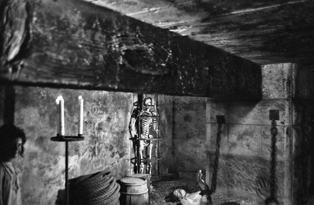 Dungeon Cell Black And White
