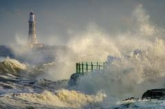Roker Lighthouse, Sunderland (DM Allan) Tags: roker lighthouse waves stormy sea coast sunderland wearside