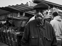 Portrait de rue#3 (Olivier DESMET) Tags: olivierdesmet noirblanc nb blackandwhite bw monochrome street streetphoto march portrait ricoh ricohgr gr 28mm candid lesgens photoderue