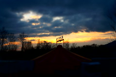 sunset at Smile (Daria_della_Noce) Tags: sonynexf3k sonynexf3 skyglory sky glory cerul cer cielo ciel cirque circul circo circus colours colori culori clouds cloud nuvole nuages nori infinito italia
