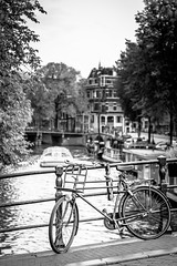 Bike on the Papiermolensluis (troov) Tags: netherlands nederland amsterdam canal gracht bicycle fiets bike papiermolensluis brouwersgracht