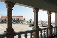 Nazar (hans pohl) Tags: portugal nazar houses maisons colonnes balustres architecture sunny ensoleill