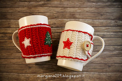 XmasCozyMug_03w (Morgana209) Tags: natale natale2016 christmas cozymug tazze uncinetto crochet feltro handmade fattoamano creativit rosso bianco lana stelle albero tree merenda colazione biscotti