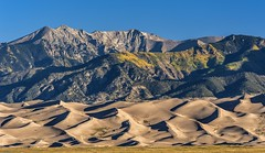 *Great Sand Dunes @ morning light* (albert.wirtz) Tags: usa albertwirtz nikon d700 nikkor80400mmvr greatsanddunesnationalpark nationalpark greatsanddunes colorado southwest sand sanddnen morgenlicht morninglight dunes light shadow licht schatten fall autumn bluesky herbst laubfrbung turningleaves alamosacounty vereinigtestaaten unitedstates amerika nordamerika lodge greatsandduneslodge