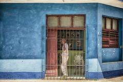 Cuba, People in Trinidad (CARLORICCI) Tags: trinidad cuba caraibi sanctispíritus patrimoniodellumanitàdallunescounesco penisoladiancón playaancon arcipelagodeicaraibi cienfuegos carlo carloricci nikon nikond810 riccarlo nikkor nikkor2470mmf28gedafs oןɹɐɔcarlo ©copyright carl㋡ havanaclubron santiagodecuba rum cohiba cayolevisa cayoblanco cayolargo labodeguitadelmedio elfloridita hemingway allaperto friend portrait colors composition persone ritratto laabana havana lavana lahabana