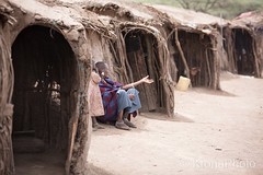 Home sweet home.., Tanzania (KronaPhoto) Tags: 2016 ngorongoro national park tanzania africa travel people mennesker home hjem house architecture building cottage masai homemade