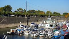 Dock and Bridge (cokbilmis-foto) Tags: bridge water marina docks boats harbor dock media harbour ships nrw damm dusseldorf düsseldorf rhine rhein peer köprü liman rheinkniebrücke medienhafen almanya köprüsü rx100 briç