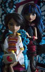 Sisters (dancingmorgana) Tags: cleo de nile monster high doll rerooted hybrid monsterhogh reroot body howleen playset tabv vanity reboot