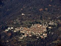 Lemna (Tu prova ad avere un mondo nel cuore...) Tags: mountain como italia co dicembre montagna lombardia decembre brunate 2015 prealpi boletto