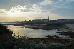 Saint-Malo (France) - Early morning (Danielzolli) Tags: stmalo saintmalo malo frankreich france francja francia prantsusemaa francusko francouzsko frana francuska santmalou saentmalo bretagne bretonien