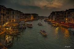 Canal grande 02 (hph46) Tags: boot bootsanleger canalgrande sonnenuntergang venedig wasser venezia veneto italien canon eos5dmkii