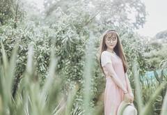 truc 2 (Nhp xinh trai siu cp !) Tags: kawaii taiwan cute beautiful girl mori sunlight zoo green japan china vietnam glasses canon 5dx outdoor dre dress