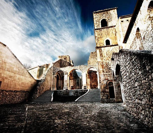 Abbazia del Goleto, Campania (Italy).  #volgoitalia #ig_worldclub #travelgram #beautifulscenery #abbey #campania #volgocampania #visitcampania #yallerscampania #italia_super_pics #infinity_italia #italiainunoscatto #fotobastardi #travelgram #fosforonero #