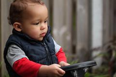 concentration at the start (Elly Snel) Tags: mauro boy jongen kleinkind grandchild concentratie concentration riding rijden stuur