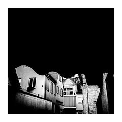 urbanshaping (seba0815) Tags: ricohgrdiv monochrome inspiredeye city urban shape urbanshaping light daylight streetphotography street architecture building contrast framed square blackwhite blanco black blanc noir nero white schwarzweis czarnobiale seba0815 mood dark bsquare