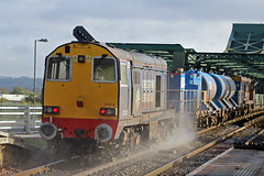 DRS 20312 T&T 20308 (Richard Brothwell) Tags: drs rhtt 20308 20312 class20 diesel 3s13 althorpestation lincolnshire keadby canonefs18135mmf3556isstm efs18135mmf3556isstm canoneos70d richardbrothwell canon70d railways railroads trains directrailservices railheadtreatmenttrain englishelectrictype1 choppers chopper britishrail br