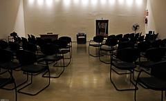 Lugares vazios (Rafaelp_) Tags: sala vazia congonhas minas gerais brasil canon t4i livro