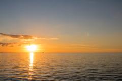 Sea at Sunset (Infomastern) Tags: malm vstrahamnen goodnightsun hav se solnedgng sunset