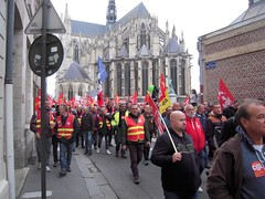 RUE ADEODAT LEFEVRE (marsupilami92) Tags: frankreich france hautsdefrance somme 80 amiens goodyear syndicat cgt solidaires soutien manifestation justice appel cathdrale
