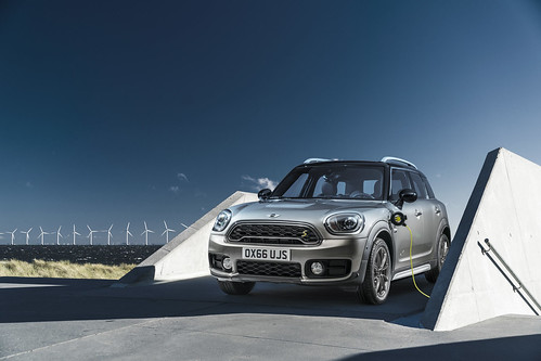 """Mini Cooper Countryman All4 (1) <a style=""""margin-left:10px; font-size:0.8em;"""" href=""""http://www.flickr.com/photos/128385163@N04/30495081381/"""" target=""""_blank"""">@flickr</a>"""